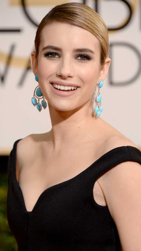 emma-roberts-golden-globes-2014-red-carpet-02